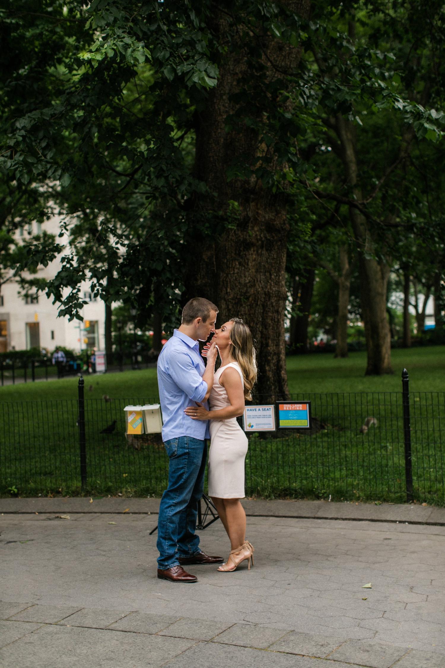 madison-square-park-engagement-photos_0014